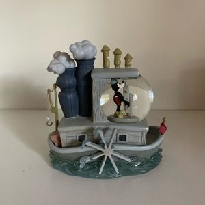 Steamboat willie Mickey snowglobe